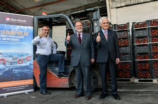 El Ministro de Economía, Fomento y Turismo, Jorge Rodríguez, junto al presidente de BancoEstado, Enrique Marshall, presentarán una nueva herramienta para ayudar a las pequeñas y medianas empresas a enfrentar las fluctuaciones del tipo de cambio.