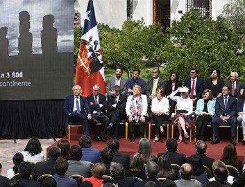 Presidenta de la Republica firmó decretos de creación de Áreas Marinas Protegidas y del Parque Nacional Pumalín