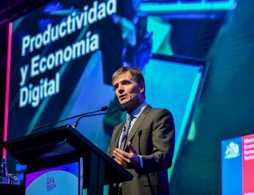 Ministro Valente expone en el LATAM Iot & Tech Forum