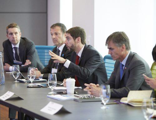 Ministro Valente encabeza almuerzo de trabajo con inversionistas canadienses
