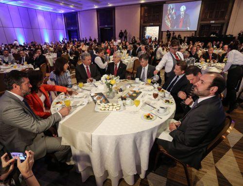Presidente Piñera y Ministro Valente encabezan desayuno anual de Fedetur