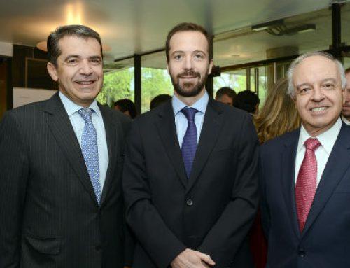 Banco Santander y Fondo Esperanza reciben Premio PwC Chile Innovación 2018