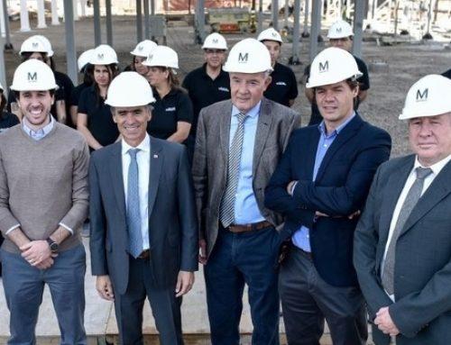 Ministro Valente realiza visita inspectiva a construcción de la planta textil más moderna de Sudamérica